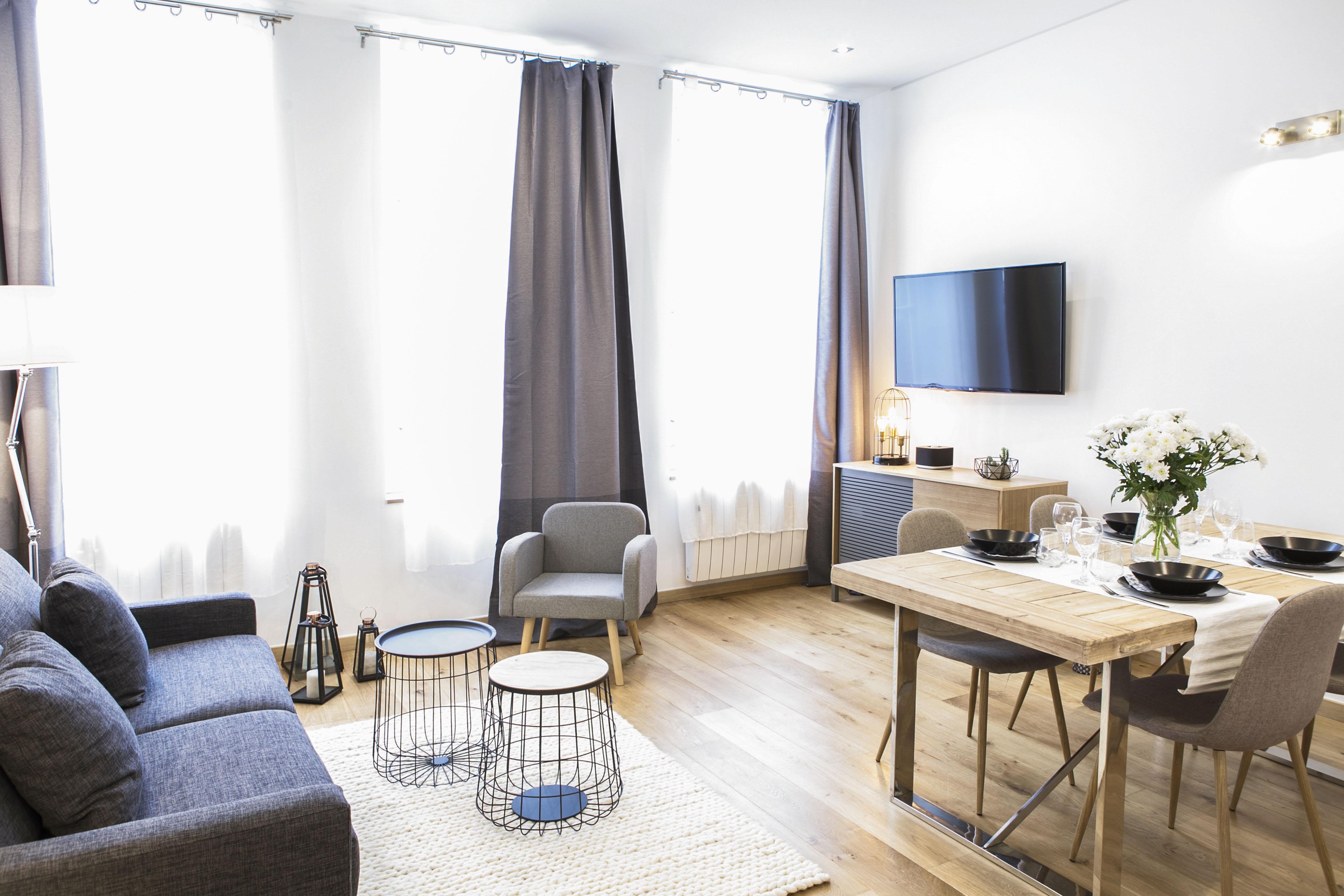 flandres appart hotel6 apm decoration home staging. Black Bedroom Furniture Sets. Home Design Ideas